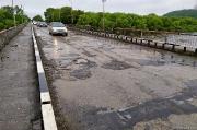 Старый автомобильный мост на грани разрушения