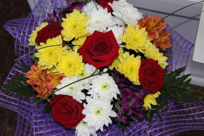 Свадебные букеты при дворце №1, купить доставка цветов оптом алматы