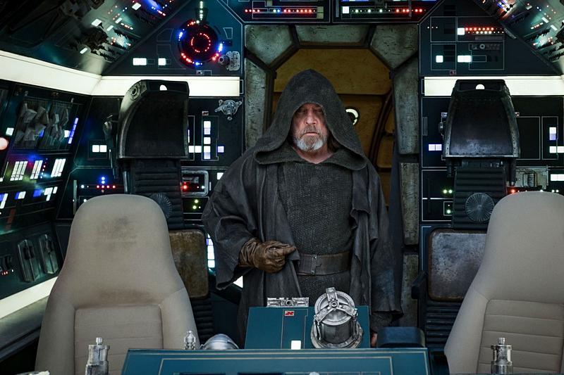 Впрокат выходит фильм «Звездные войны: Последние джедаи»